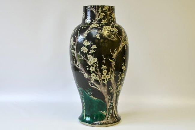 a chinese famille noir porcelain vase lot 13. Black Bedroom Furniture Sets. Home Design Ideas