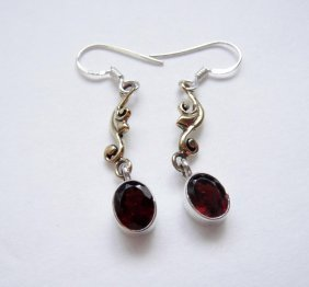 925 Solid Sterling, Natural Garnet Gemstone Dangle Earr