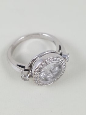 A Chopard 18k White Gold Happy Diamonds Ring- Signed