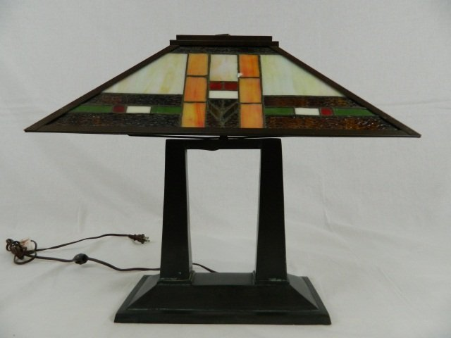 Wright Brothers Stained Glass Lamp : Frank lloyd wright style stained glass table lamp lot