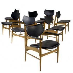 668: THONET Set of eight chairs : Lot 668