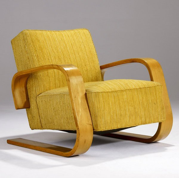 909 Alvar Aalto Tank Chair Lot 909