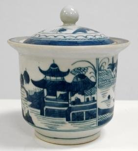 CHINESE EXPORT CANTON PORCELAIN COVERED SUGAR BOWL,