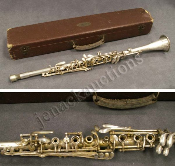 37: VINTAGE PEDLER SILVER PLATED CLARINET WITH CASE : Lot 37