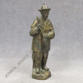 CONTINENTAL BRONZE FIGURE OF A CHINESE MUSICIAN