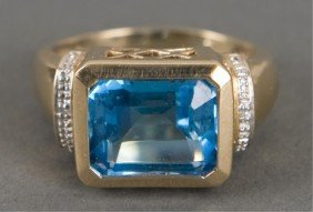 10KT Yellow Gold And Swiss Blue Topaz Ring
