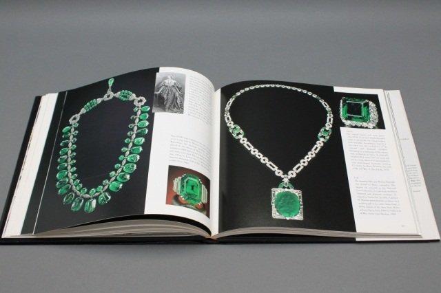 Photoatlas of inclusions in gemstones