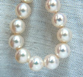 Gia 8.5mm Natural Akoya White Pearls Necklace 18kt Gold