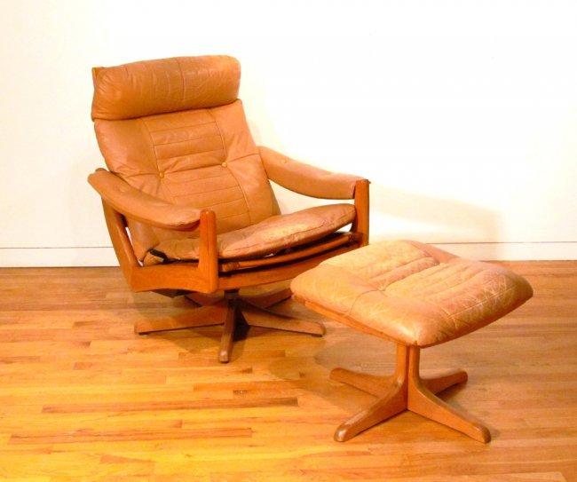 Lied Mobler Lounge Chair and Ottoman : Lot 352