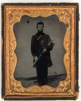 Civil War 1/4 Plate Tintype Union Officer W Sword
