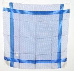 Yves Saint Laurent, Foulard Seide. Blau-weiss Kariert.