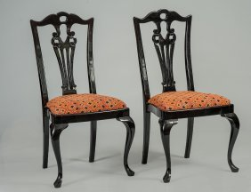 SET OF TEN QUEEN ANNE STYLE BLACK LACQUER DINING CHAIRS Lot 151