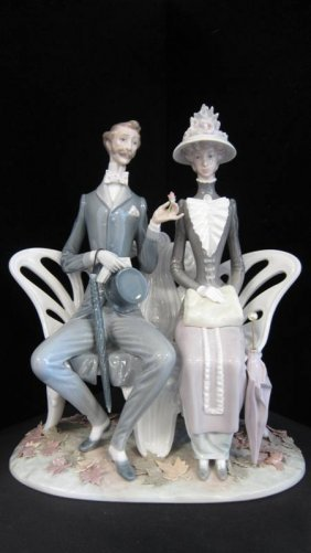 """RETIRED LLADRO """"LOVERS IN THE PARK"""" #1274"""