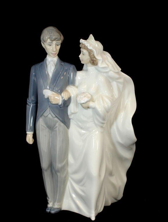 NAO LLADRO DAISA WEDDING BRIDE AND GROOM 1993 Lot 476