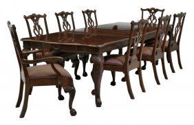 A Henredon Chippendale Style Mahogany Dining Set