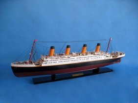 "Rms Titanic 40"" Model Ship"