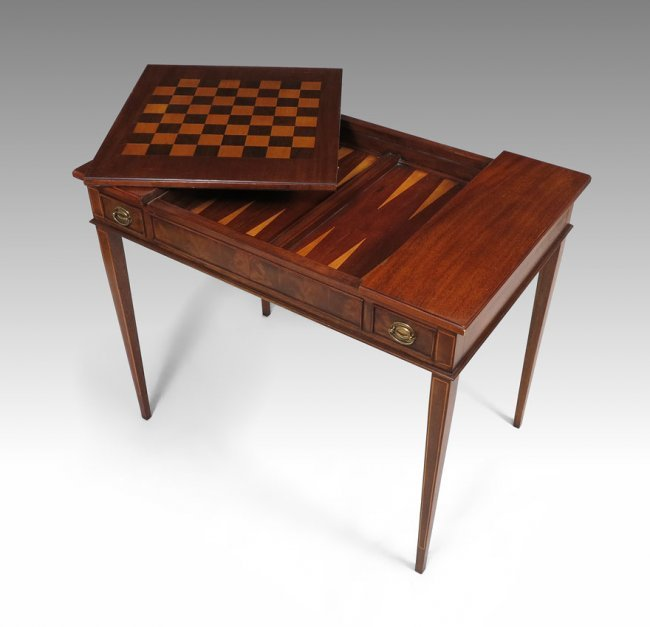 38 WELLINGTON HALL FURNITURE CO INLAY GAME TABLE Lot 38