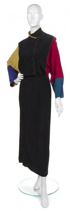 A Chloe Black Colorblock Dress. Size 40.
