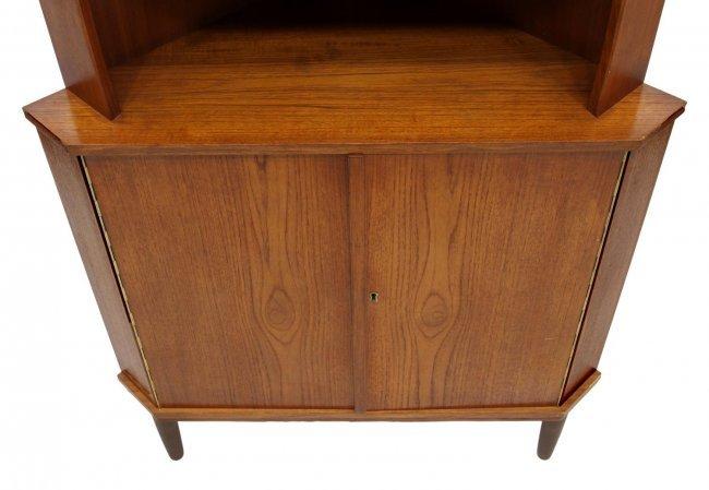 Mid Century Corner Cabinet: DANISH MID-CENTURY MODERN CORNER CABINET : Lot 15