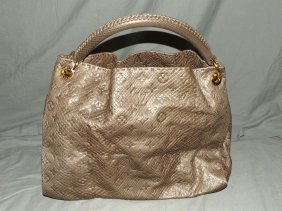 Louis Vuitton. Artsy Python Gris. Handbag.