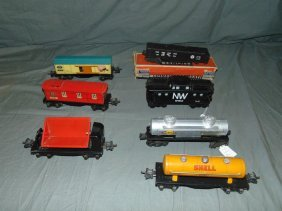 Lot Of Assorted Lionel Trains & Freight Cars