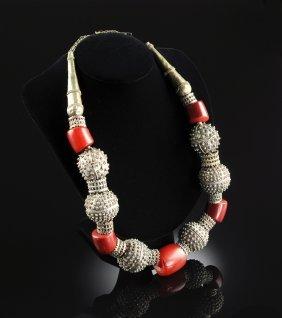 A Handmade Amber Jewish Yemenite Lady's Necklace, 19th