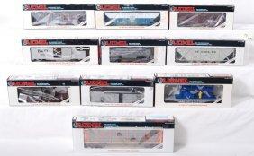 10 Lionel Freight Cars 19310, 16510, 19309, Etc