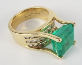Emerald And Diamond Ring 14K