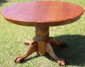 CONTEMPORARY VICTORIAN STYLE ROUND OAK TABLE,