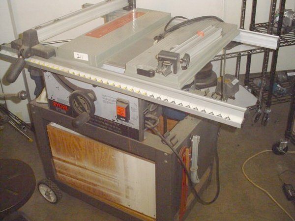 211 Ryobi Bt3000 10 Benchtop Table Saw With Lot 211