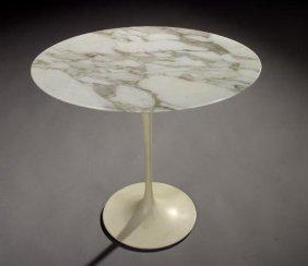 "Eero Saarinen ""pedestal Group"" Oval Table Knoll"