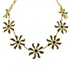 French Black Daisy Necklace