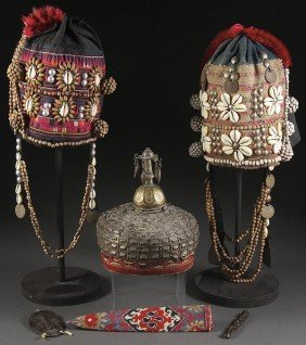 A SINO-TIBETAN AND AFRICAN DECORATIVE GROUP
