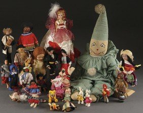 A VINTAGE ETHNIC DOLL GROUPING