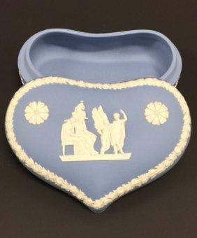 Early Blue Jasperware Wedgwood Vanity/trinket Box