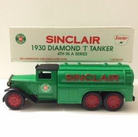 1930 Die-cast Diamond 't' Tanker Sinclair Gasoline