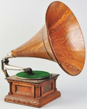 Victor Monarch Special Phonograph With Horn.