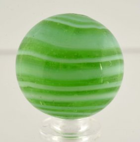 Navarre Horizontal Swirl Marble.