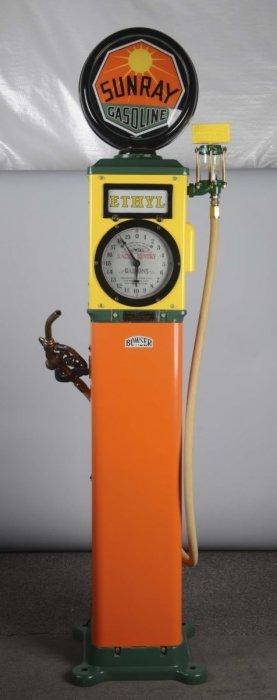 Bowser Xacto Sentry Clock-face Gas Pump