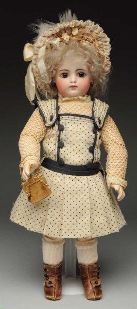 F.g. Bébé Doll.