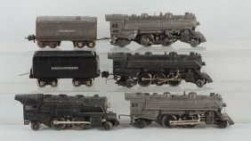 Lot Of 4: Lionel Steam Locomotives & Tenders.