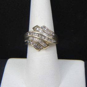 Vintage 14kt Yellow Gold & Diamond Ladies Ring