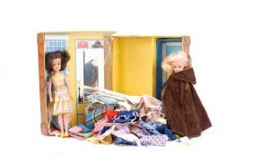 Pedigree Sindy - A Pair Of Dolls And Clothing