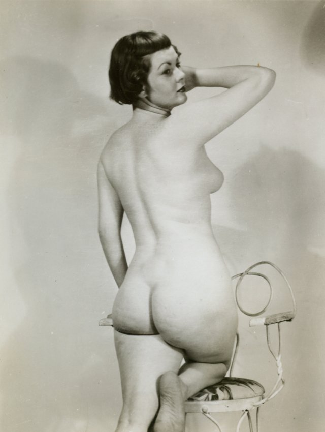 vintage-nude-women-butts