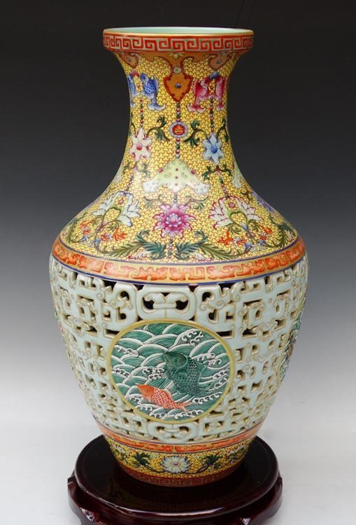 83 Million Carved Chinese Qianlong Porcelain Vase Lot 120b