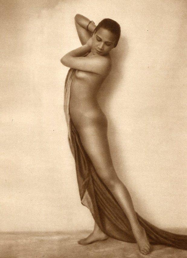 Malay Nude Women 10
