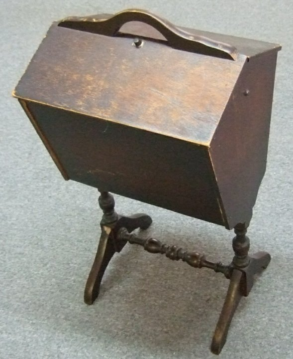 antique sewing stand 2