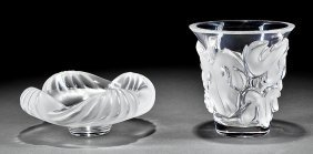 "Lalique ""saumur"" Clear And Frosted Glass Vase"