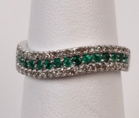 14k White Gold Diamond And Emerald Lady's Band