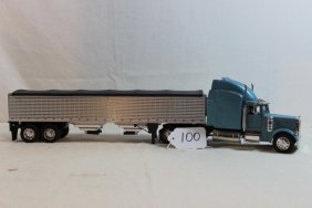 Peterbilt Semi With Grain Trailer